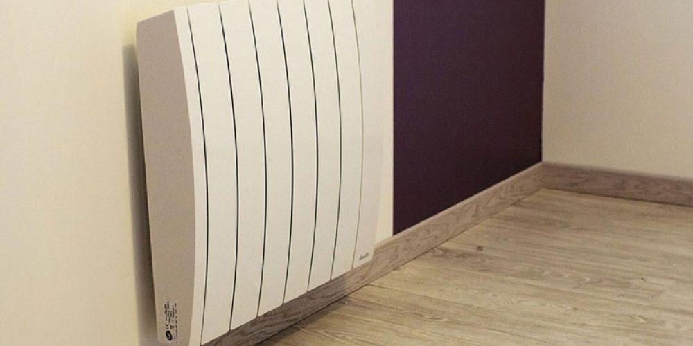 Radiateurs à inertie sèche : quel cœur de chauffe choisir ?