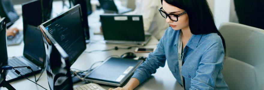 Où se former aux métiers des services informatiques ?