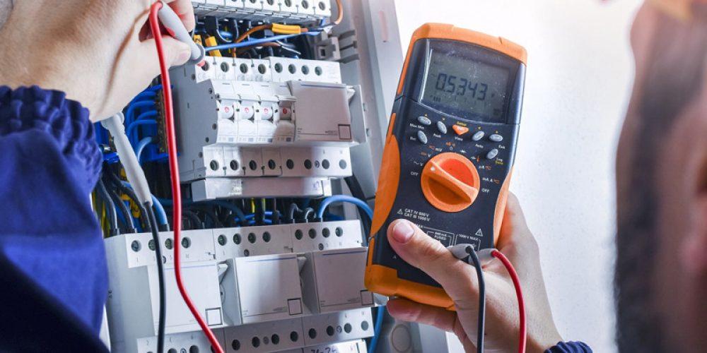 Installations électriques professionnelles : faire appel aux services d'une entreprise de confiance au Québec